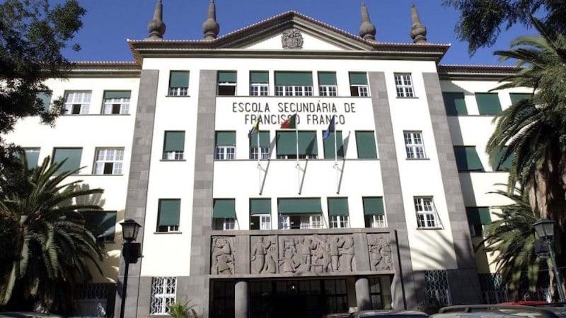 Escola com 108 exames nacionais acima de 18 valores