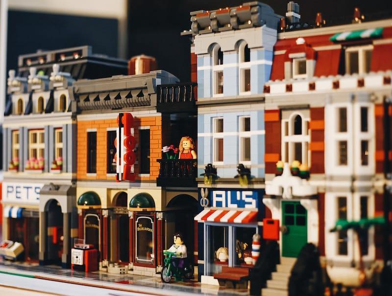Mil e quinhentos metros quadrados de Lego em Corroios