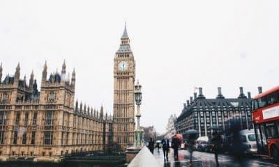 Podes estudar no Reino Unido sem pagar propinas