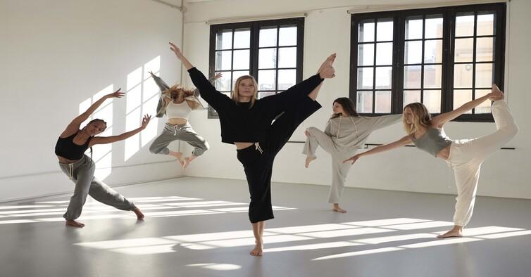 Oysho_yoga dance_editorial (1) (1)