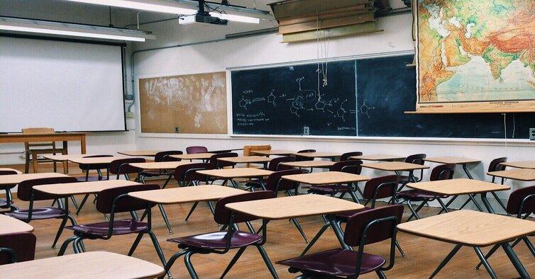 classroom-2093744_1920 (1)